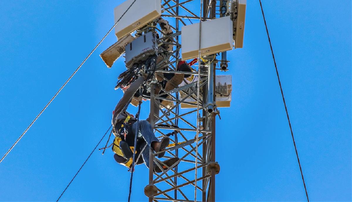 radio cell tower service kansas city